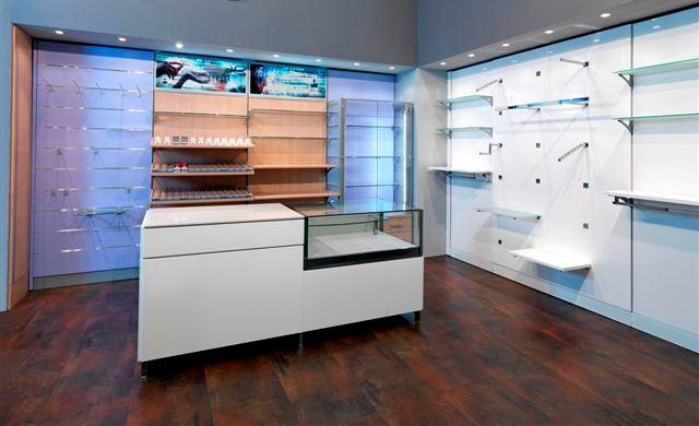 Arredamenti negozi sardegna archivi cucciari arredamenti for Arredamenti per negozi di abbigliamento