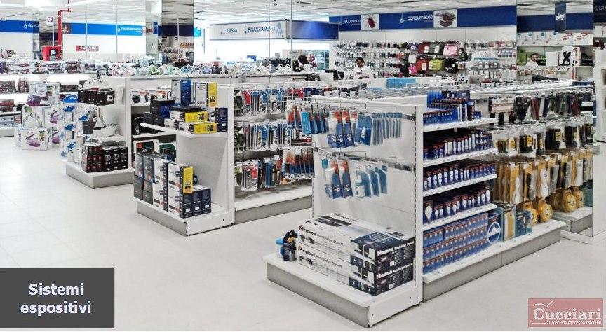 Arredamento per negozi ferramenta sardegna for Negozi per mobili