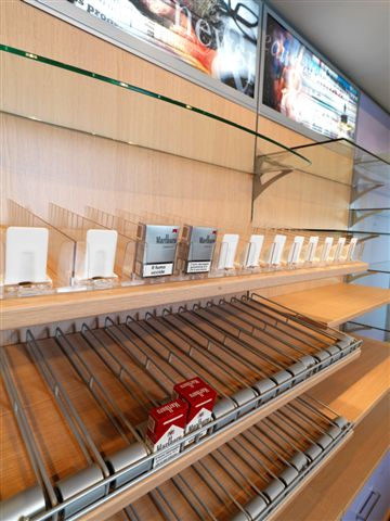 Arredamenti negozi tabaccherie ricevitorie Sardegna