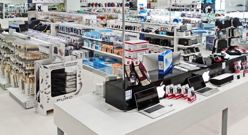 Arredamenti negozi di informatica sardegna for Arredamento negozi informatica