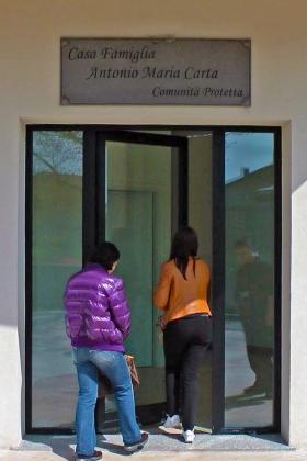 Arredamento casa famiglia sardegna nuoro sassari olbia for Arredamento casa per disabili